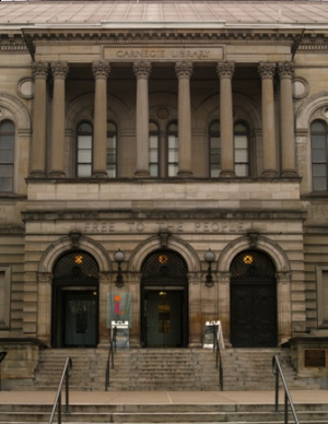 Carnegie_Library_in_Pittsburgh_by_Flickr_user_Jim_Kuhn,_creative_commons_attribution_license._1_300_388